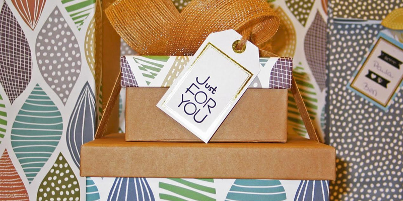 19 Personalized Engagement Gift Ideas for Couples