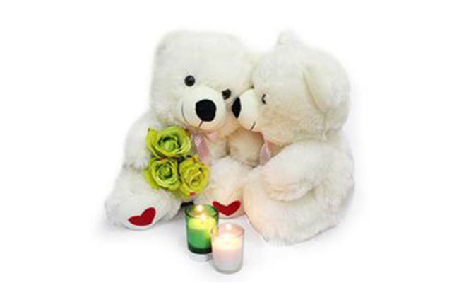 Kissing Teddy Bears