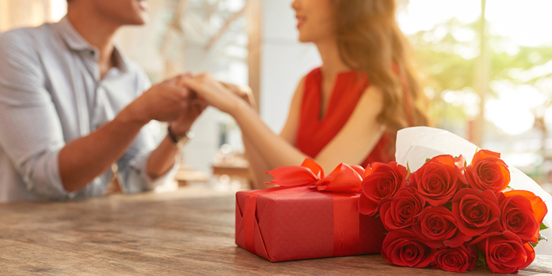 Best 1st Anniversary Gift Ideas For Couples Newly Married Couples Gifts
