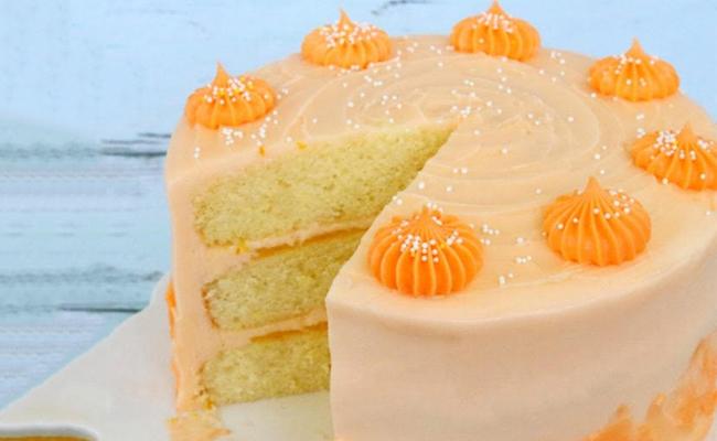 Orange Cake with Vanilla Buttercream
