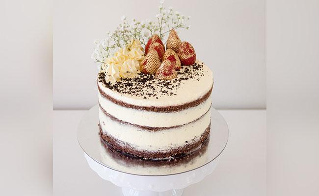 Naked Cake Decoration
