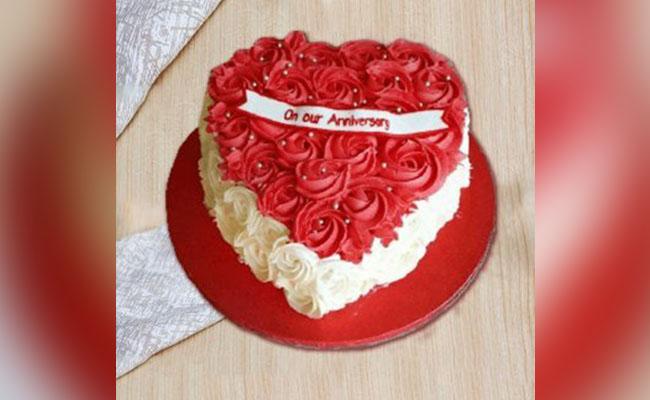 Heart-Shaped Rosette Cake