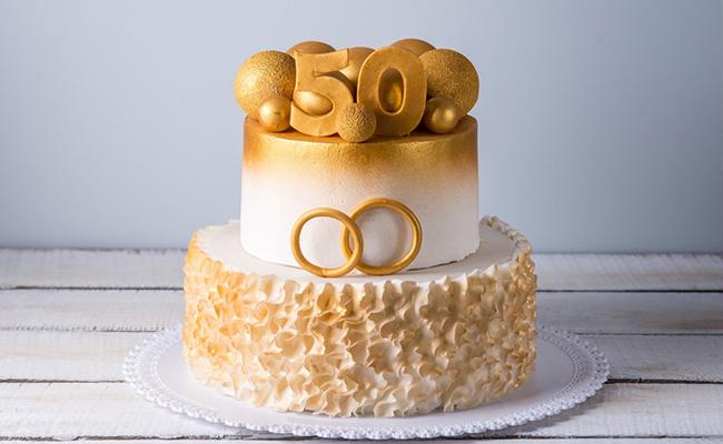 Delicious Anniversary Cake