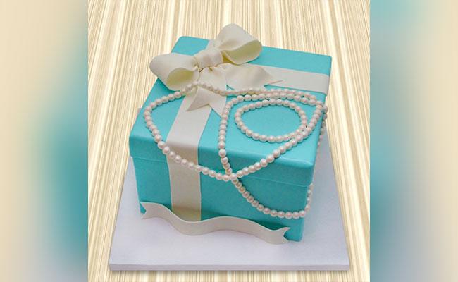 Tiffany Box & Pearl Cake