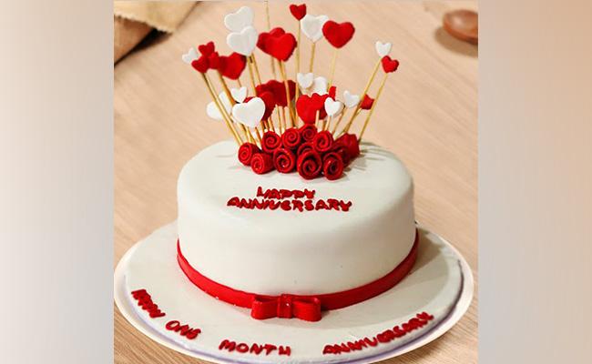Rosy Hearts Anniversary Cake