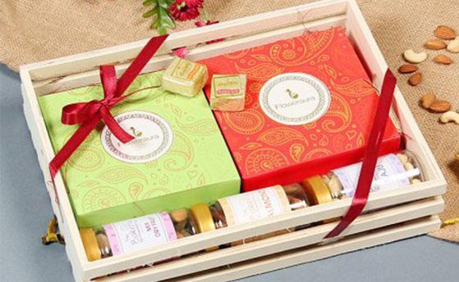 signature box from flowerAura