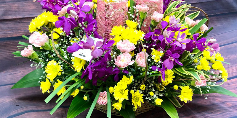 Which Flowers and Flowers Colours are Associated with Friendship