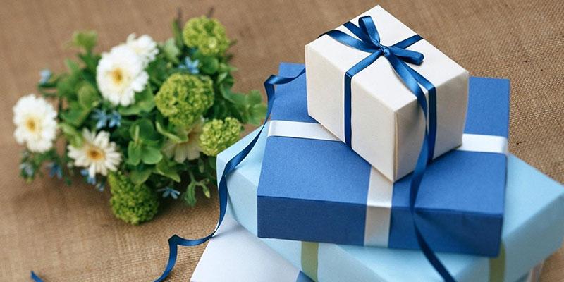Best Gift Ideas for Friends Wedding