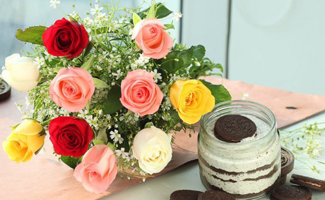 Rose Bouquet & Jar Cake Combo