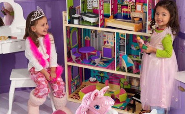 Doll House Gifts Idea for Lil Girl