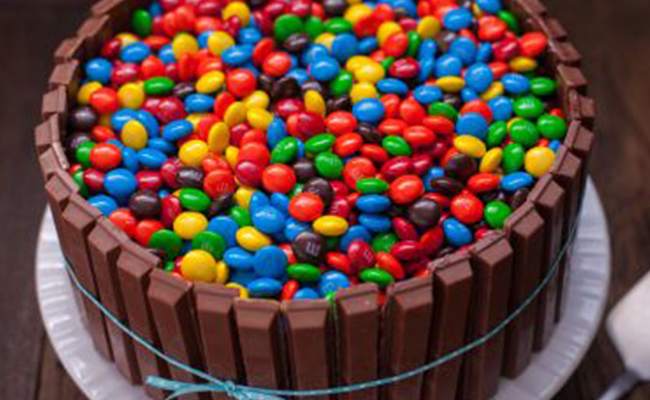 Kit kat Cake