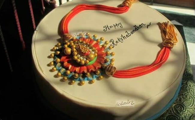 Rakhi On Top Cake