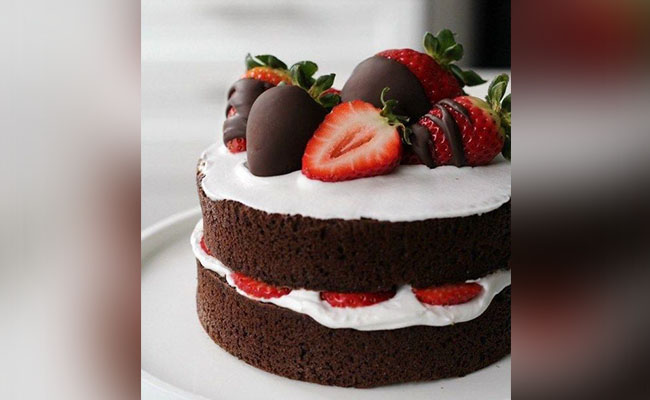 Berry Sweet Love Cake