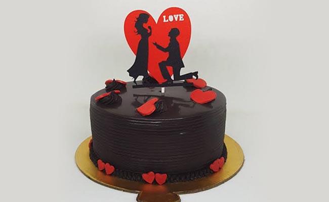 Chocolate Couple Cake