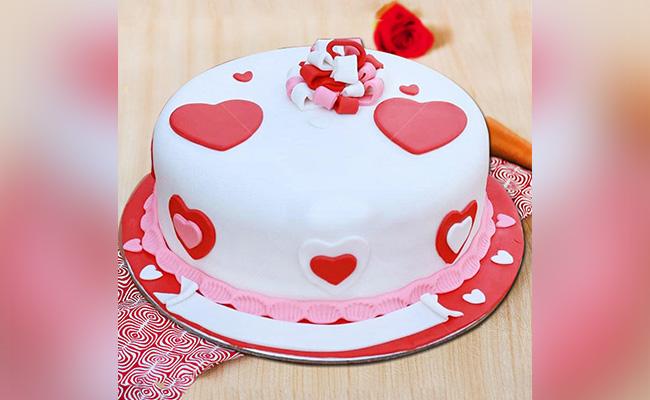 Love N Heart Cake