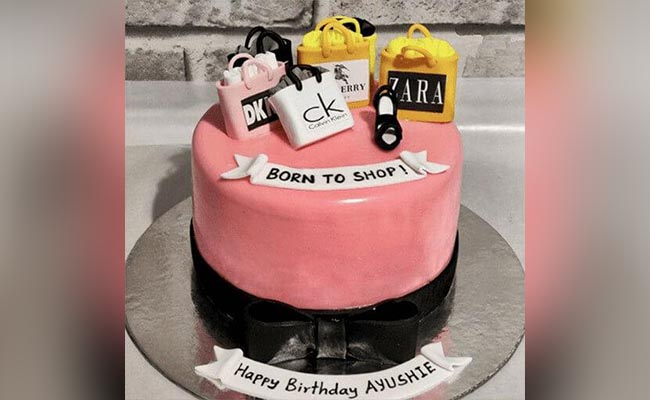 Decide On The Cake Theme
