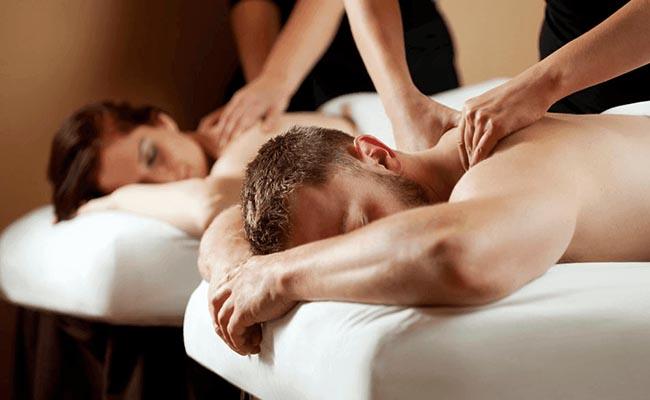 A couple's massage session