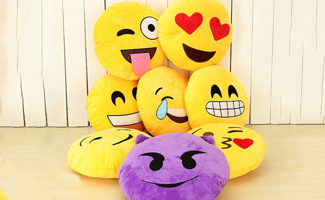 Emoji Cushions under 500 rupees