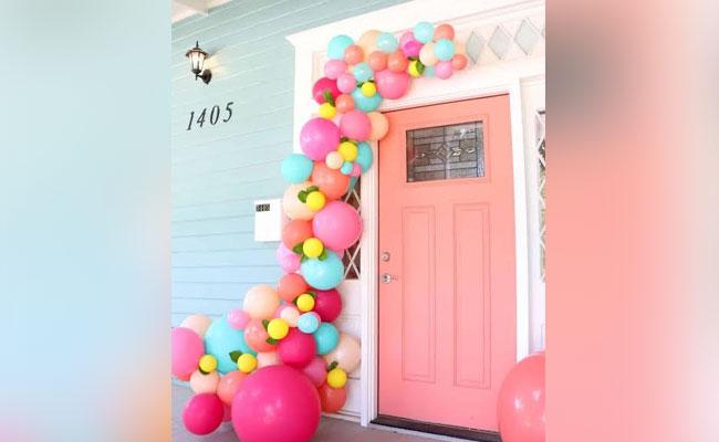 Balloons Door Decor