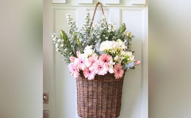 Flower Basket Door Decor
