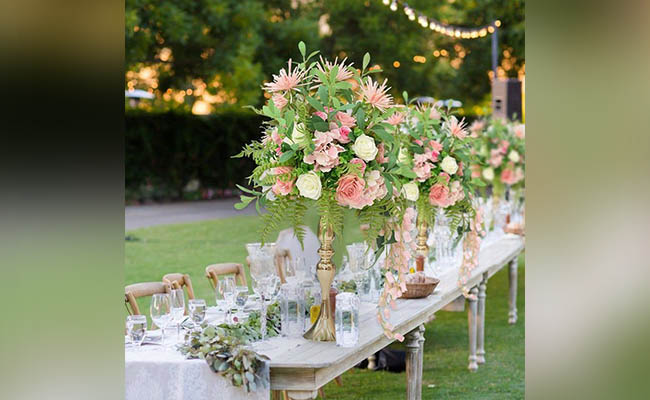 Flower Bouquet Table For Birthday Party