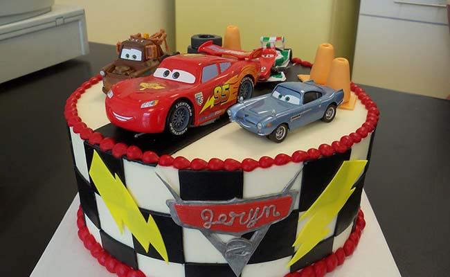 Car Cakes for the Little Racers