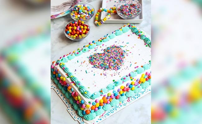 Embroidery or Sprinklers Cake