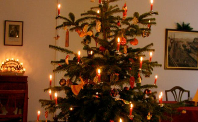 Candlelight Christmas Delight- GERMANY