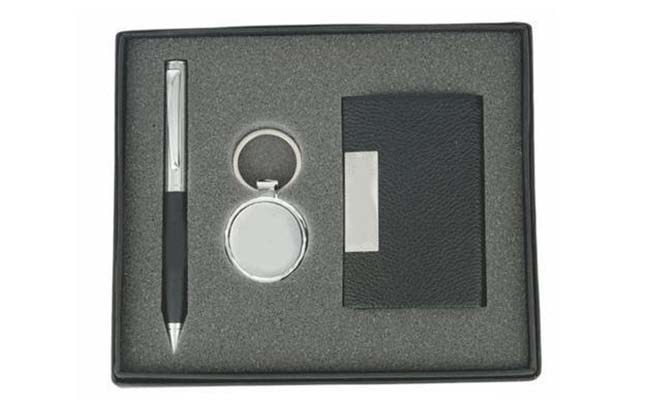 personalised-pens-and-diaries