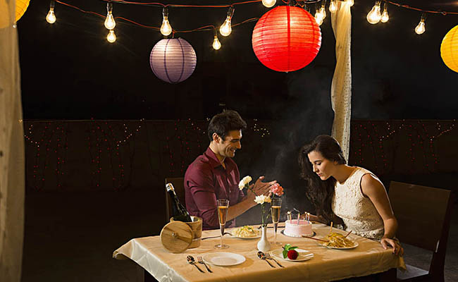 couples romantic meal