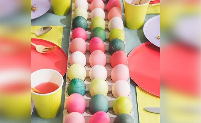 Egg Table Runner