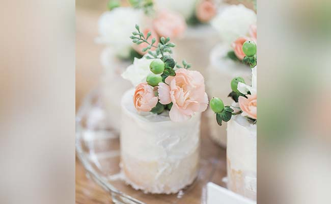 Single Serving Mini Engagement Cake