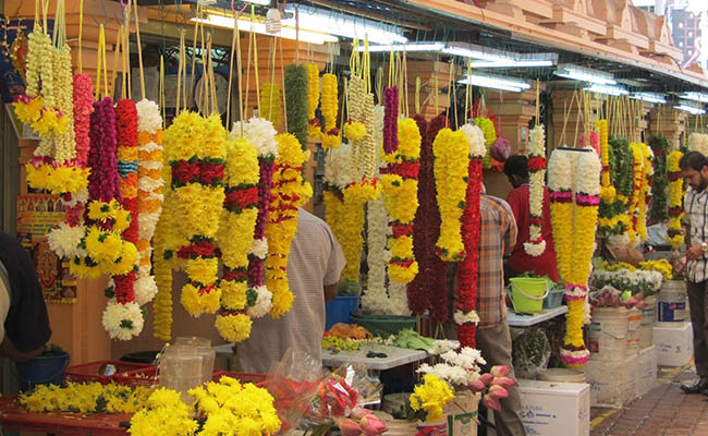 Types of Flowers Available At Gultekdi Flower Market in Pune