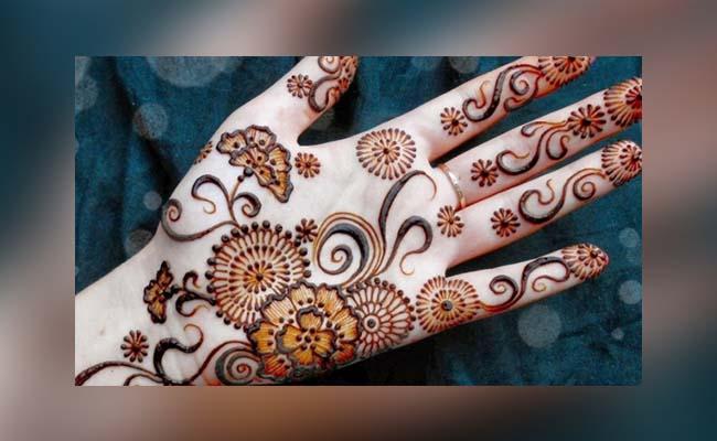 Flower Mehandi Design with Alta