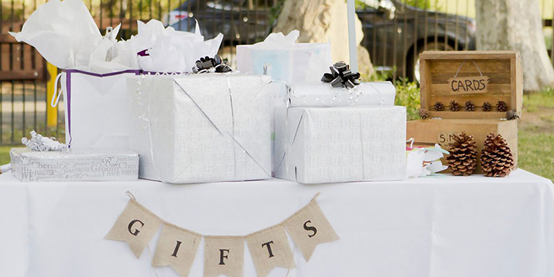 Thoughtful and Unique Gifts for Newly Married Couple