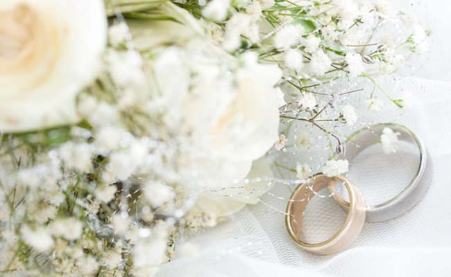 A Ring With A Bouquet