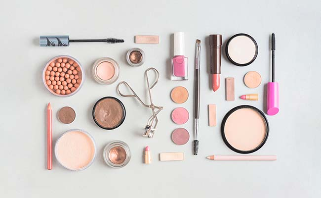 A kit of cosmetics