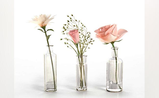 Glass vase with Fresh Flowers