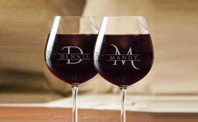 Wine glasses - A unique gift for client