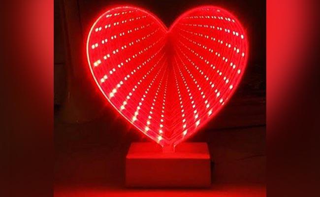 3D Heart-Shaped Lamp