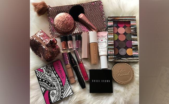 Makeup Kit: