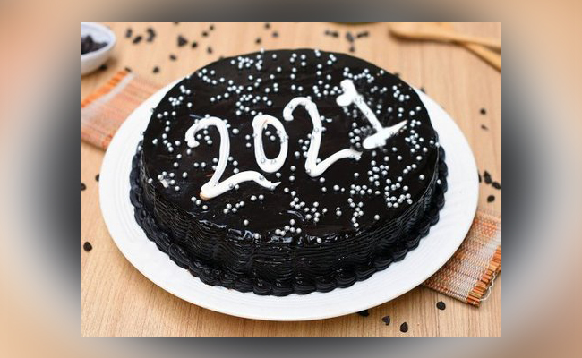 Dark & Silver 2021 New Year Cake