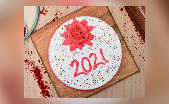 Rosy New Year Cake