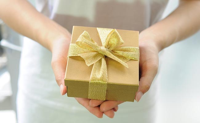 farewell-gift-for-male-colleague