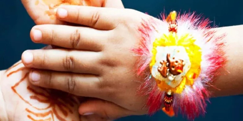 Significance of Tying Rakhi on Left or Right Hand