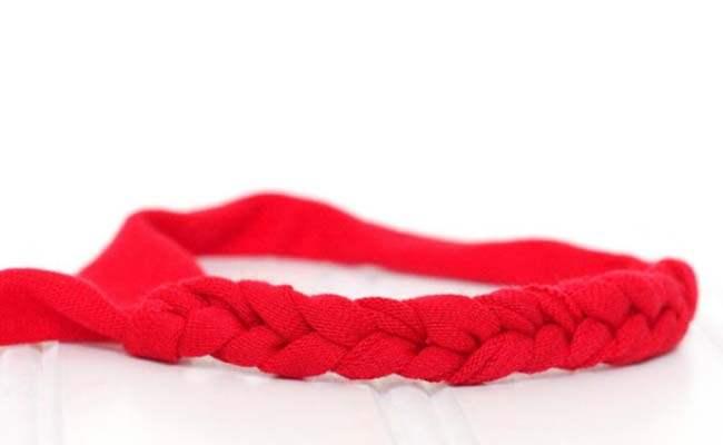 Knitted Rakhi using ribbons