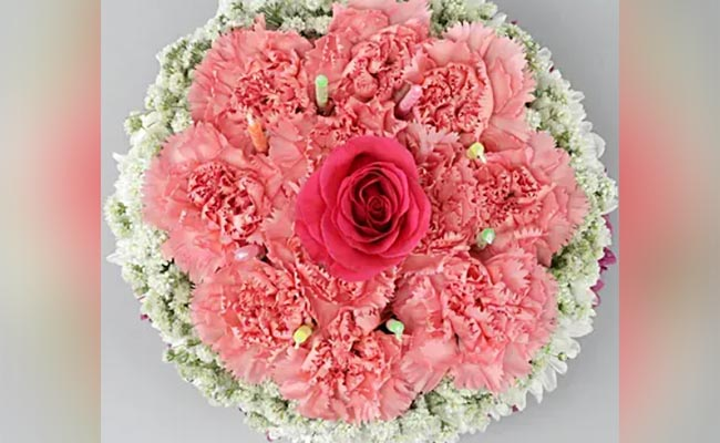 Rosy Pink Floral Cake