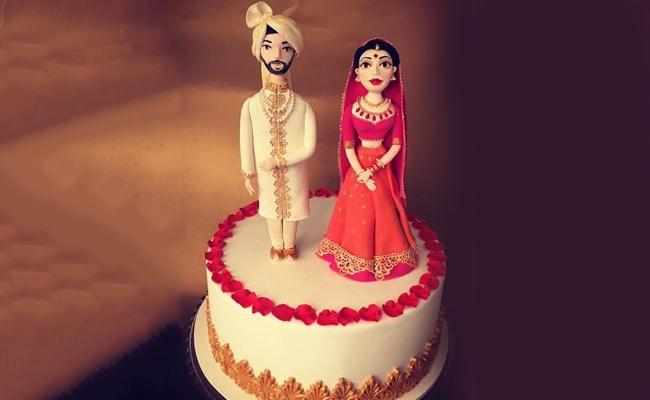 The Figurine Cake