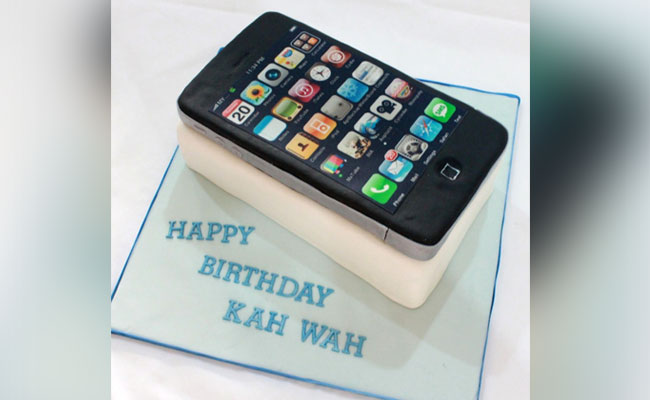 Iphone Theme Cake