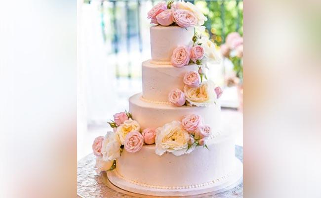 Exquisite Floral Cake